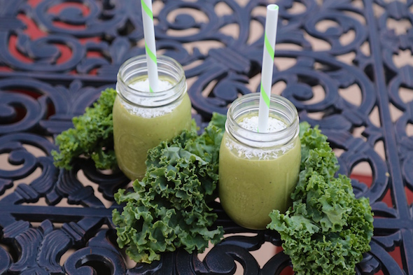 CookingwithMelody.com_Cashew Kale Smoothie